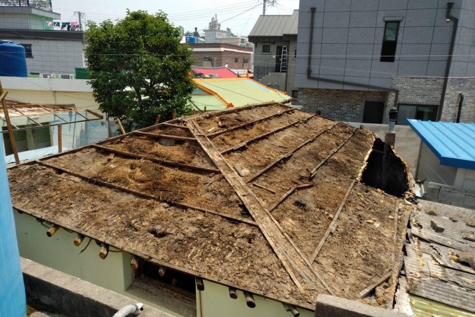 14 번째 사진  에  연면적127.34 ㎡ 경남 남해군 상주면 지붕슬레이트 석면철거 공사