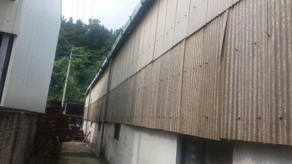 2 번째 사진  에  연면적135.42 ㎡ 부산시 기장군 정관읍 공장 슬레이트해체