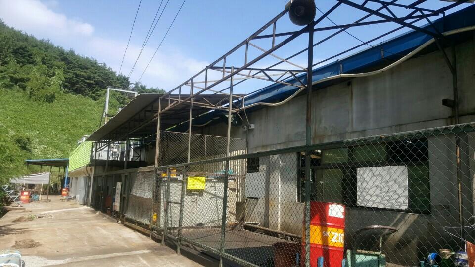 17 번째 사진  에  연면적135.42 ㎡ 부산시 기장군 정관읍 공장 슬레이트해체