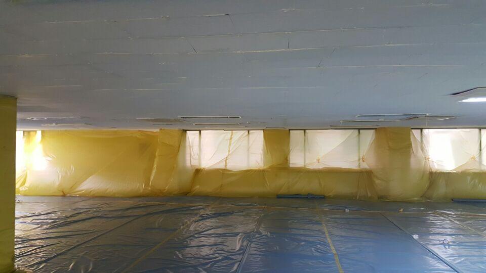 5 번째 사진  에  연면적348.5 ㎡ 남구 수영로 리모델링공사 전 천정텍스 해체제거