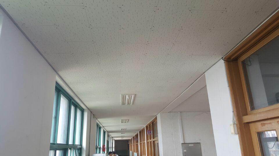 4 번째 사진  에  연면적621.02 ㎡ 부산시 사하구 괴정동 동주중학교 5층 일부 석면해체제거 석면철거현장