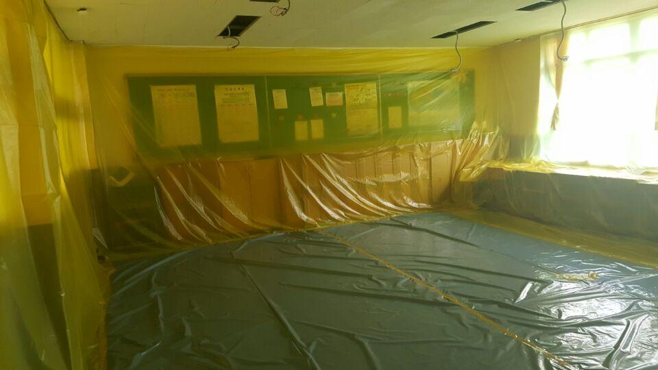11 번째 사진  에  연면적621.02 ㎡ 부산시 사하구 괴정동 동주중학교 5층 일부 석면해체제거 석면철거현장