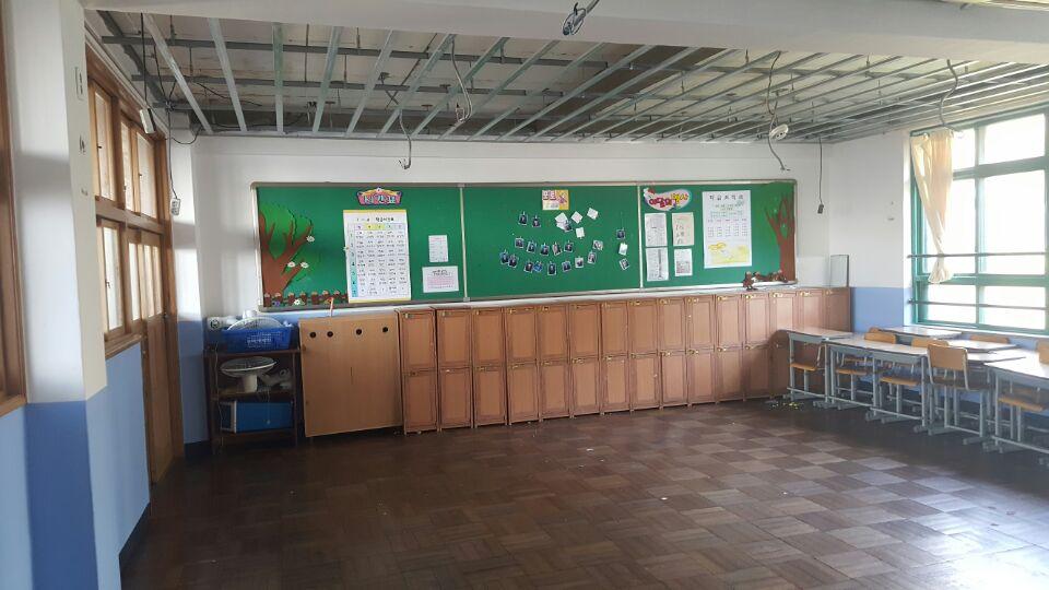 19 번째 사진  에  연면적621.02 ㎡ 부산시 사하구 괴정동 동주중학교 5층 일부 석면해체제거 석면철거현장