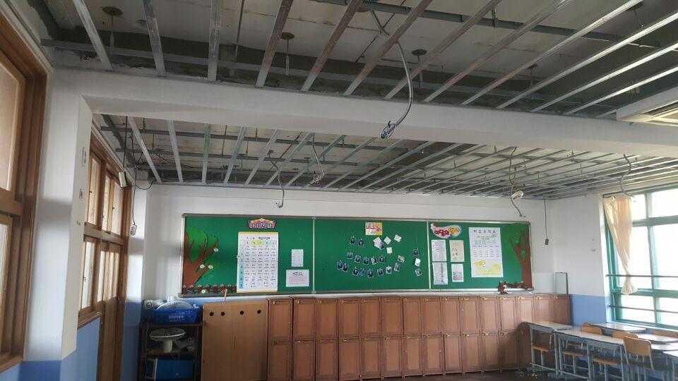 20 번째 사진  에  연면적621.02 ㎡ 부산시 사하구 괴정동 동주중학교 5층 일부 석면해체제거 석면철거현장
