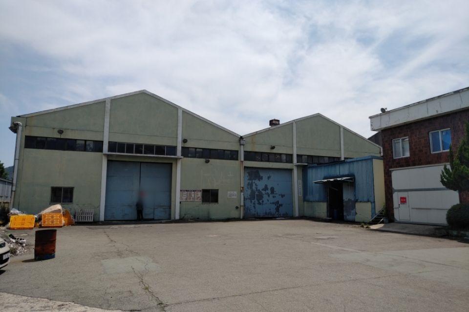 2 번째 사진  에  연면적185.82 ㎡ 부산시 사하구 다대동 공장지붕 석면철거