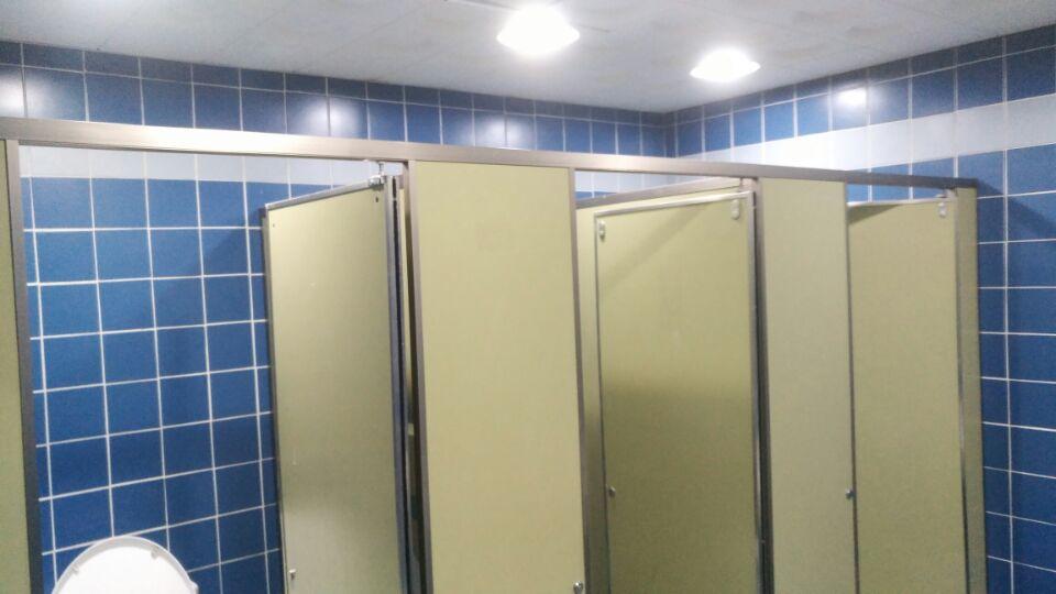 4 번째 사진  에  연면적49 ㎡ 부산시 금정구청 화장실 밤라이트 석면해체 제거현장