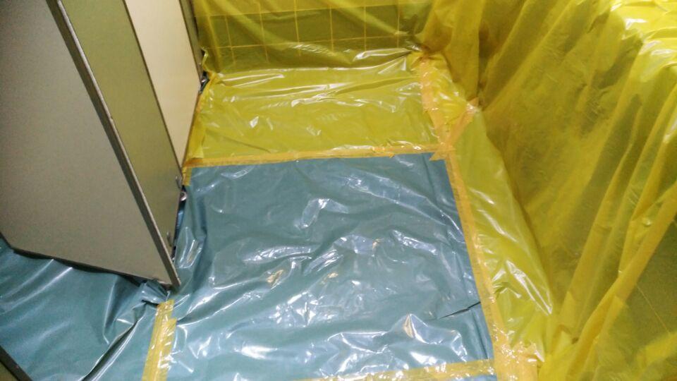 7 번째 사진  에  연면적49 ㎡ 부산시 금정구청 화장실 밤라이트 석면해체 제거현장