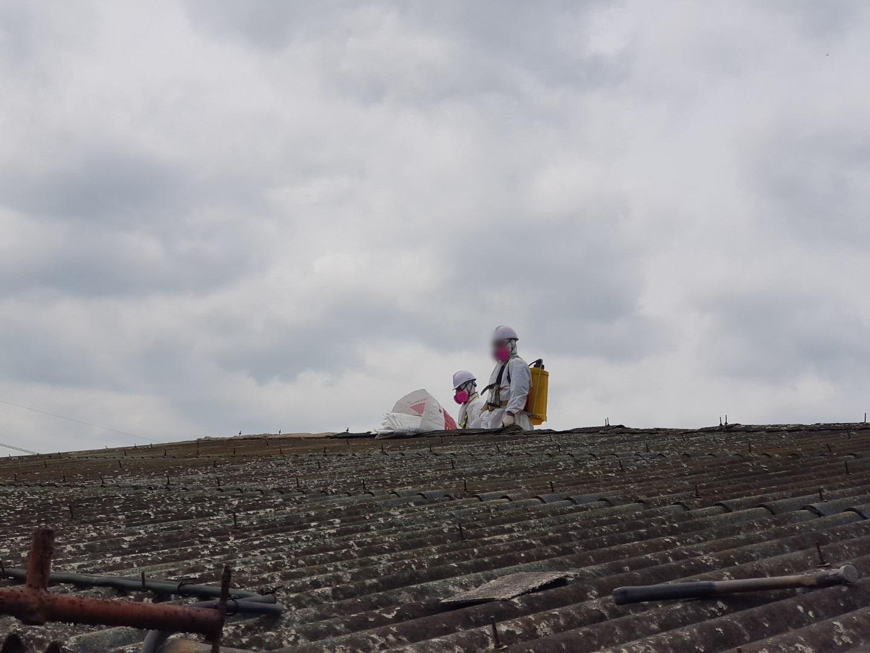 9 번째 사진  에  연면적243 ㎡ 경남 창녕군 대지면 슬레이트 지붕 석면처리 현장