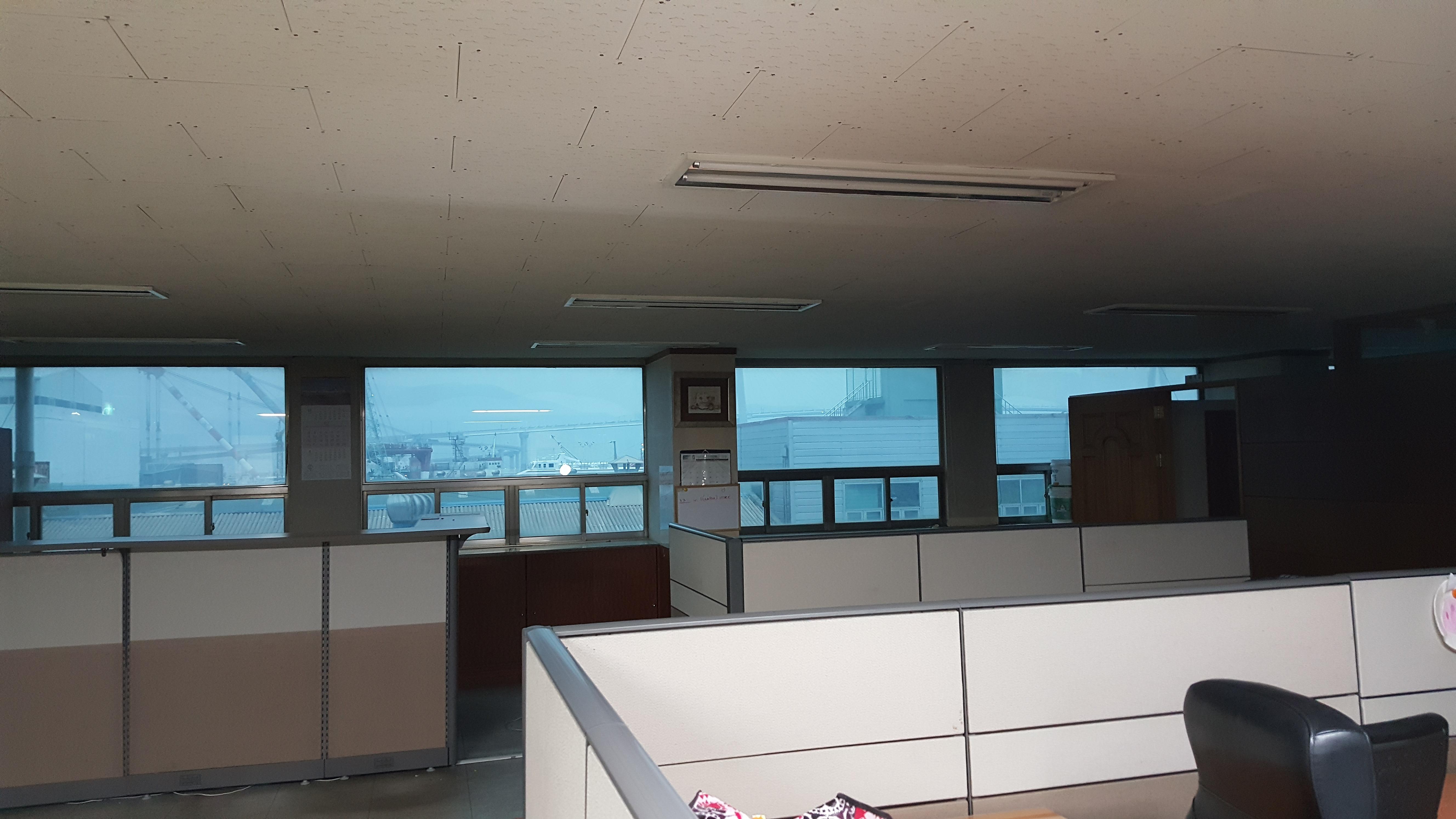 3 번째 사진  에  연면적94.68 ㎡ 부산시 영도구 해양로 공장사무실 2차 천장텍스 석면해체 제거