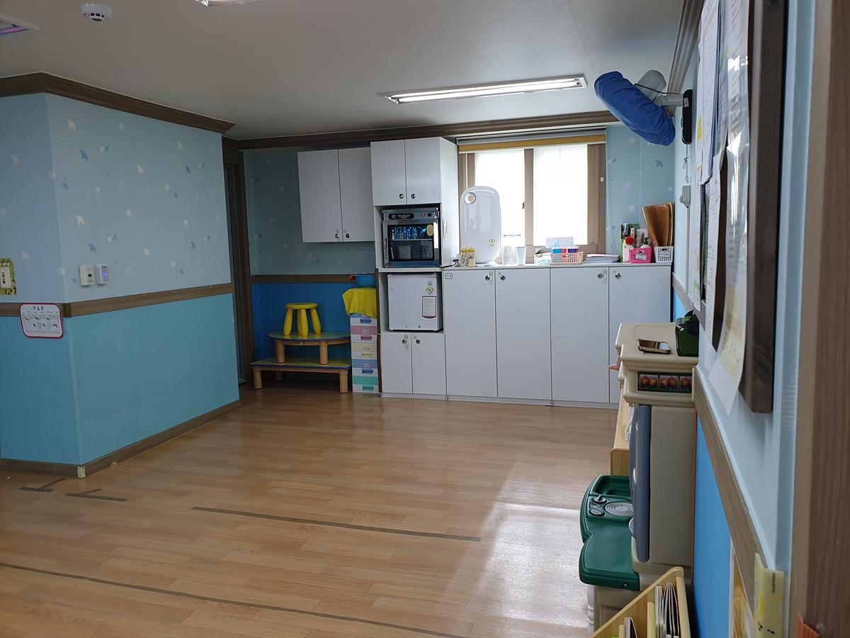 7 번째 사진 노유자 시설 에  연면적251.18 ㎡ 어린이집 석면조사 (부산 남포동)