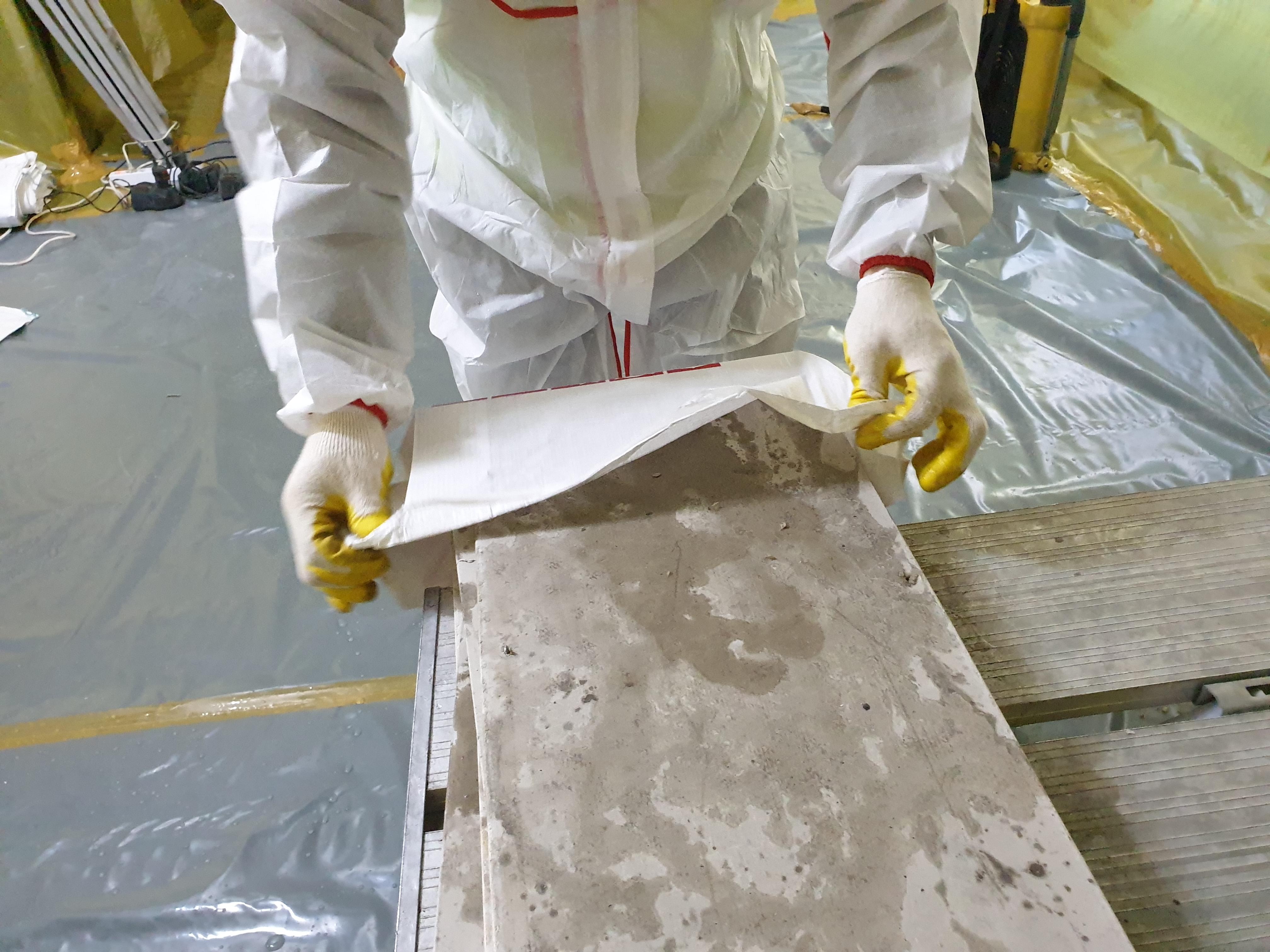 14 번째 사진  에  연면적125.09 ㎡ 창원 리모델링 공사전 텍스 석면해체 제거 현장보고서
