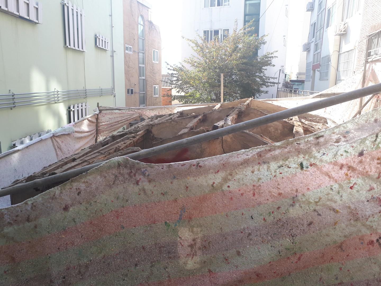 15 번째 사진  에  연면적43 ㎡ 부산 부산진구 진남로 주택 슬레이트지붕 석면철거