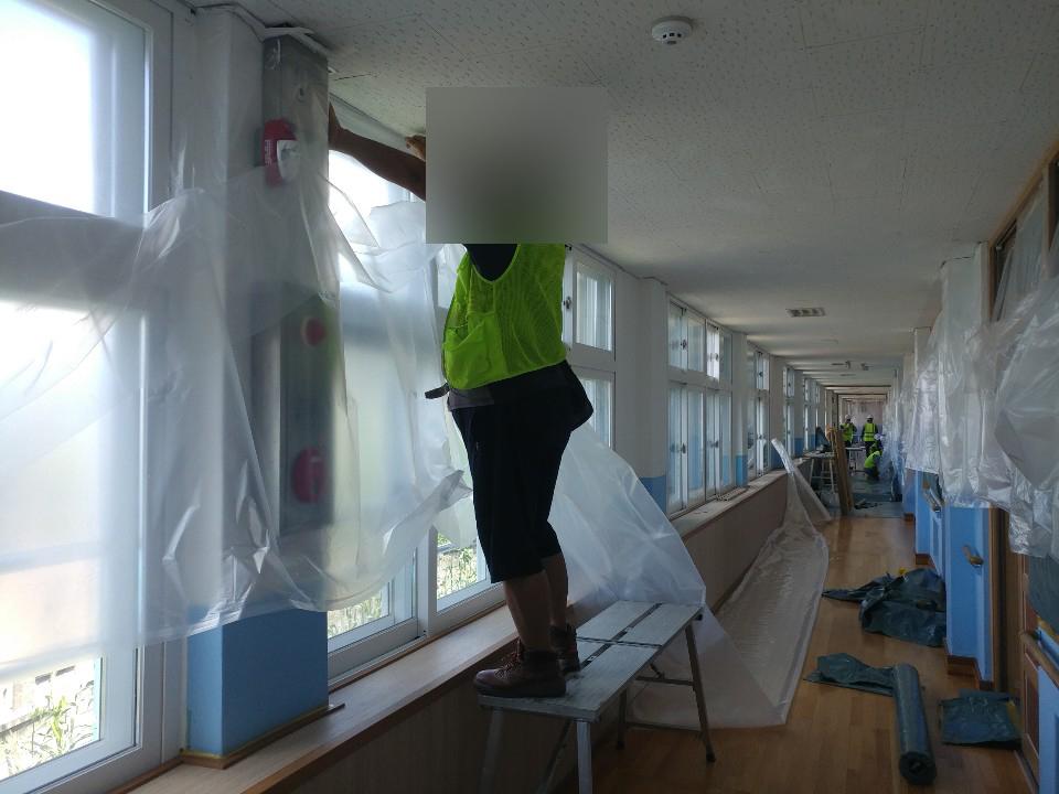 17 번째 사진  에  연면적 ㎡ 초등학교 석면해체 현장
