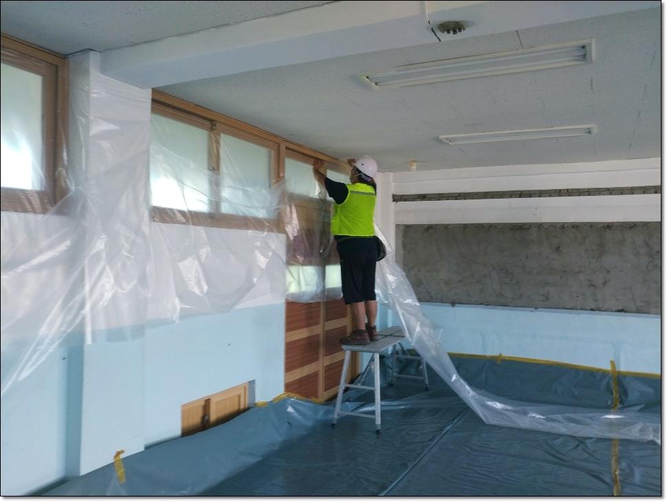 9 번째 사진  에  연면적 ㎡ 학교시설 석면해체·제거 가이드라인 준수하여 철거작업