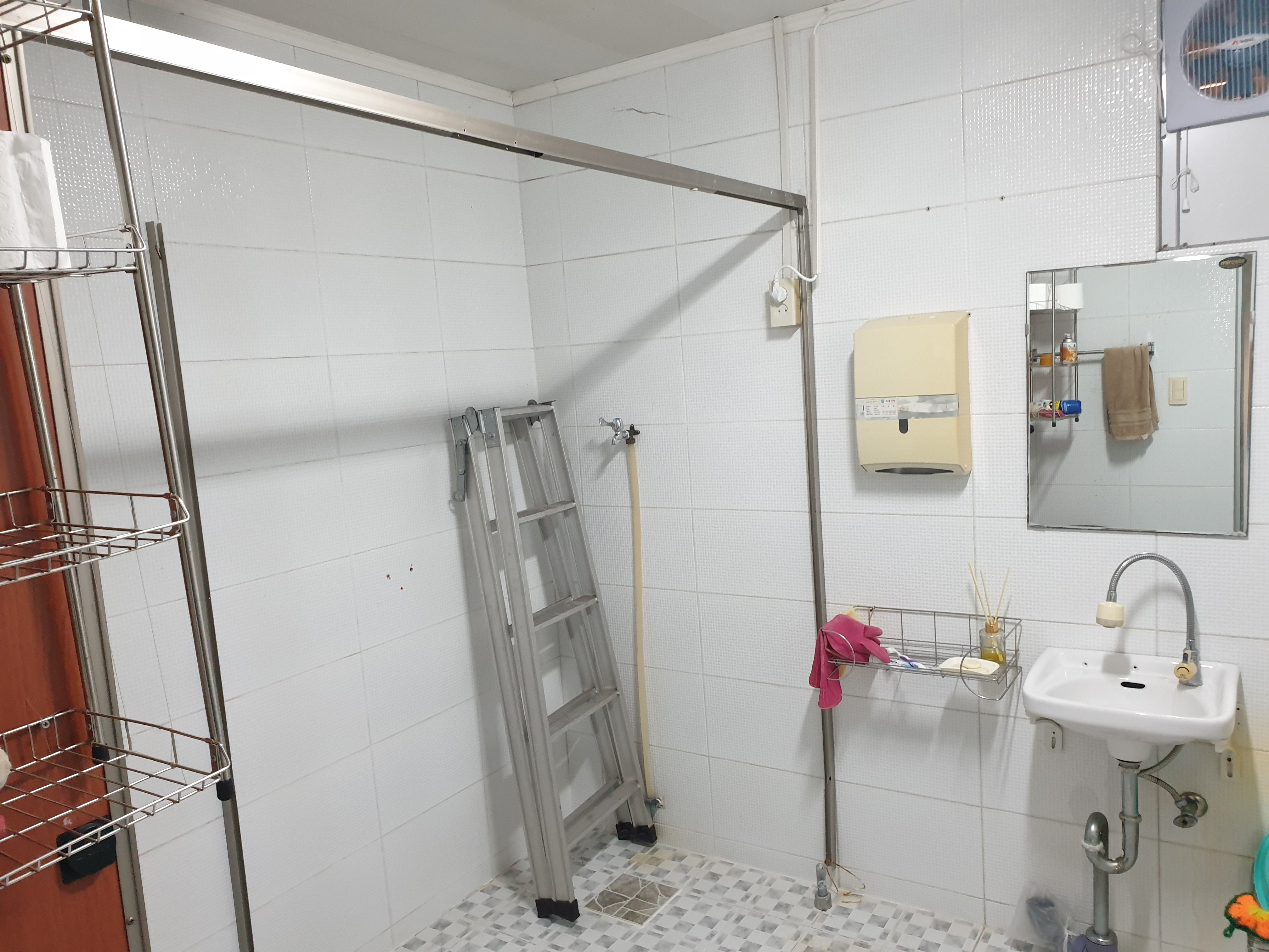 6 번째 사진 단독주택 에  연면적344.98 ㎡ 부산 남구 동명로 석면조사 현장