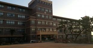 영도구 동삼초등학교 배관공사를 위해 석면철거
