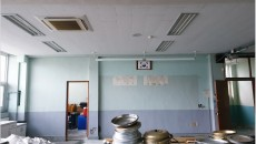 부산 중학교 석면해체 현장 (천장 텍스)